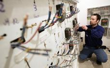 La factura de la luz baja un 3% en octubre tras la suspensión de los impuestos eléctricos