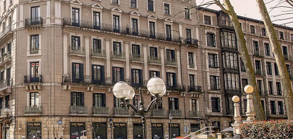 El Ayuntamiento pondrá en venta el edificio anexo al Iruña por 13 millones de euros