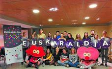 Colectivos eibarreses muestran su respaldo a la iniciativa Euskaraldia