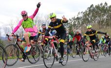 ¿Por qué algunos ciclistas han dejado de saludar?