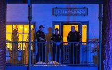 Un hombre asesina a tres personas en un salón de yoga de Florida