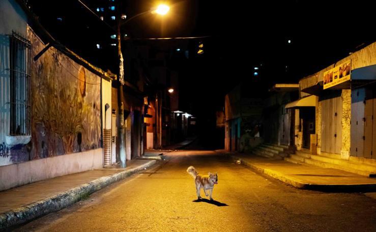 Caracas en la oscuridad