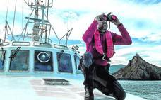 Un día en el 'Itsas Zain', el barco de rescate de la Ertzaintza