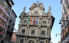 El Ayuntamiento de Pamplona insta al Gobierno a derogar el delito de injurias al rey