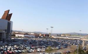 Detenido por conducir drogado a gran velocidad por el parking del Buesa Arena