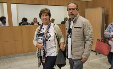 «La fiscal nos ha humillado», aseguran los padres de Iñigo Cabacas