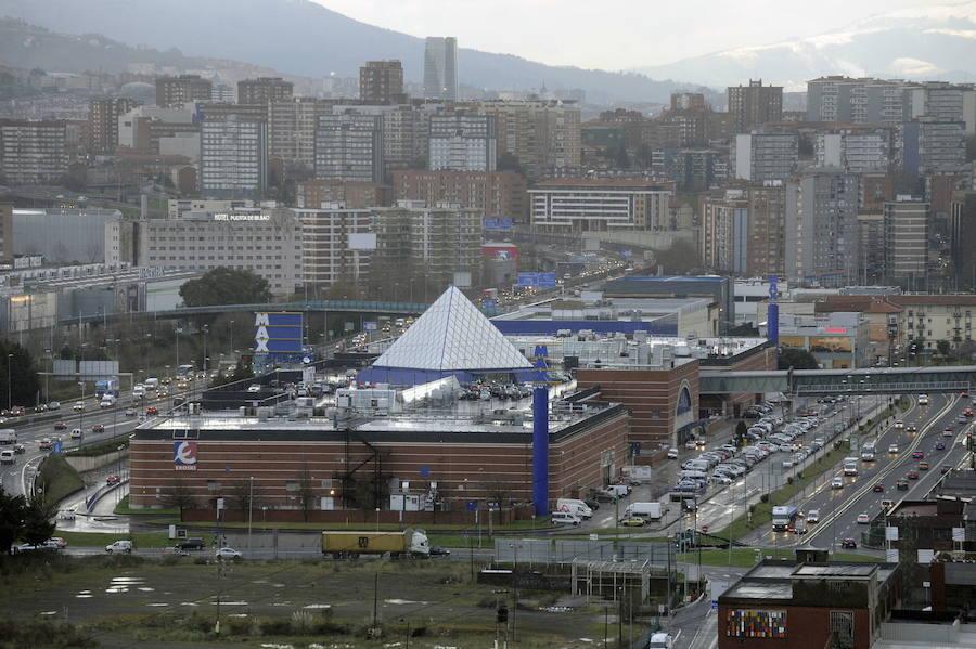 Arriola retrasa a finales de 2019 la restricción a la apertura de grandes superficies comerciales