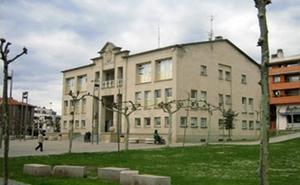 Sopela lanza ayudas para pagar visitas a cárceles, gastos en energía y libros