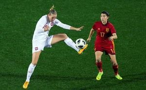 Lucía, 45 minutos con la selección española