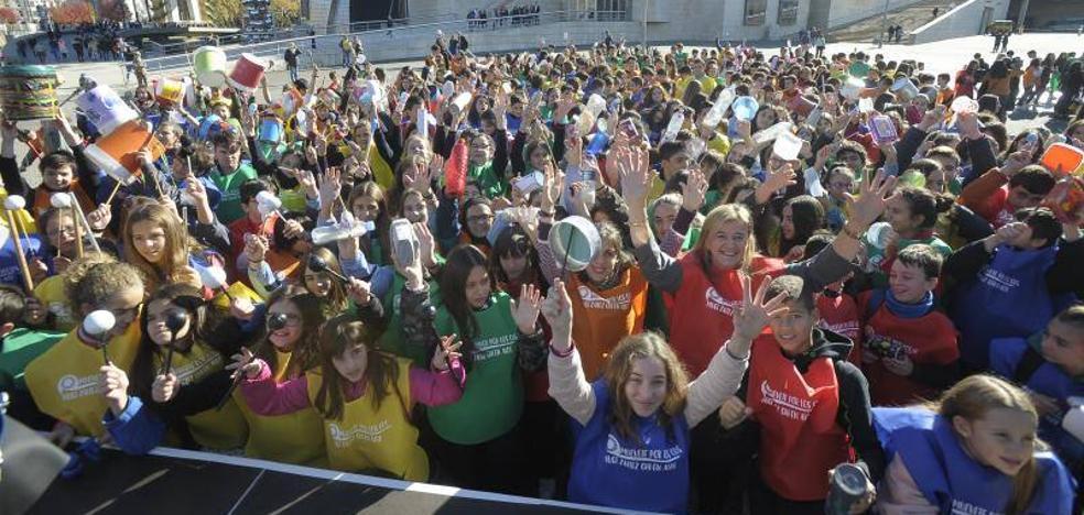 Cientos de estudiantes hacen ruido para acabar con las desigualdades