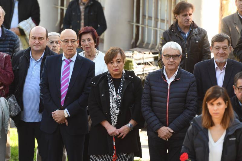 El Parlamento vasco homenajea a las víctimas en el Día de la Memoria con la ausencia del PP
