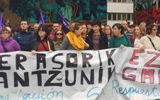 Un centenar de personas protesta en Barakaldo contra la última agresión sexual