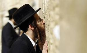 Jóvenes judíos rompen con la vida ultraortodoxa para abrazar un mundo nuevo
