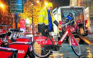 La avalancha de 6.000 nuevos usuarios obliga a restringir el préstamo de bicicletas eléctricas