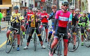 'Nene' partió para completar su reto desde Eibar hasta Sevilla a pedales
