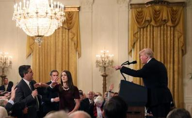 La CNN demanda a la Casa Blanca por retirar la acreditación a un periodista