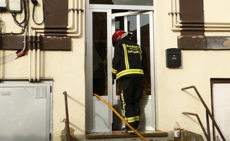 Nuevo incendio en el edificio de Aretxabaleta donde murió calcinado un hombre el mes pasado