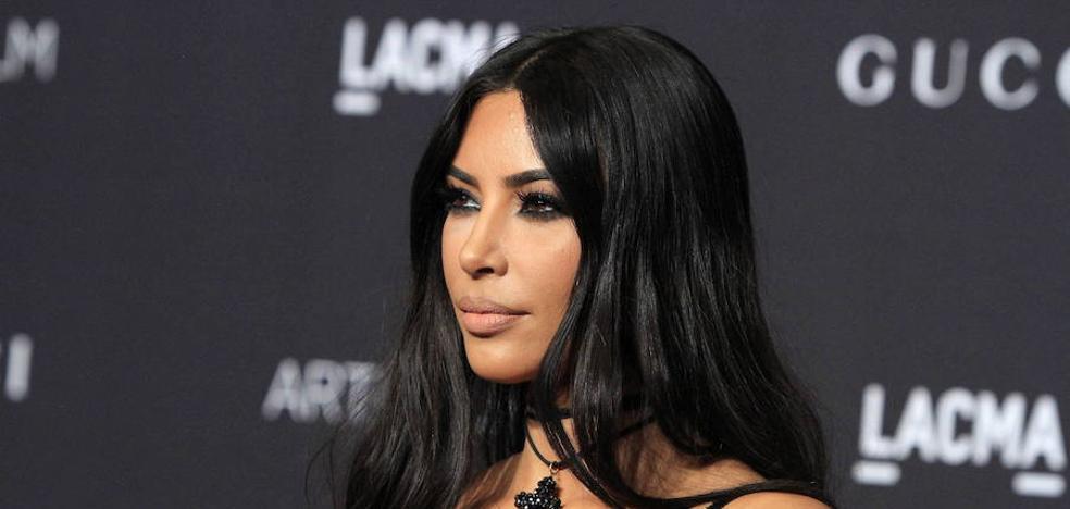 Kim Kardashian paga de su bolsillo a unos bomberos privados para salvar su mansión