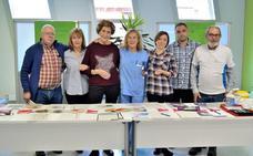 Pacientes con diabetes acercan la enfermedad a la ciudadanía en el hospital de Gernika