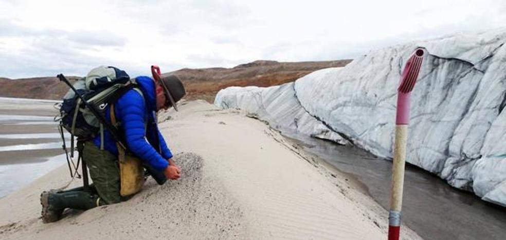 Descubren un cráter de impacto de 31 kilómetros bajo el hielo de Groenlandia