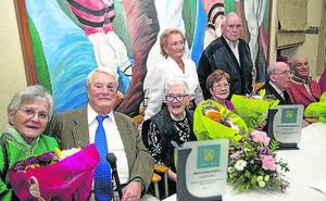 El Hogar de Sopela homenajea a sus socios más veteranos