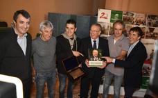 El ciclismo rinde homenaje a Madariaga