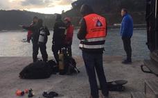 Sigue la búsqueda del vecino de Mondragón desaparecido cuando pescaba en el puerto de Ondarroa