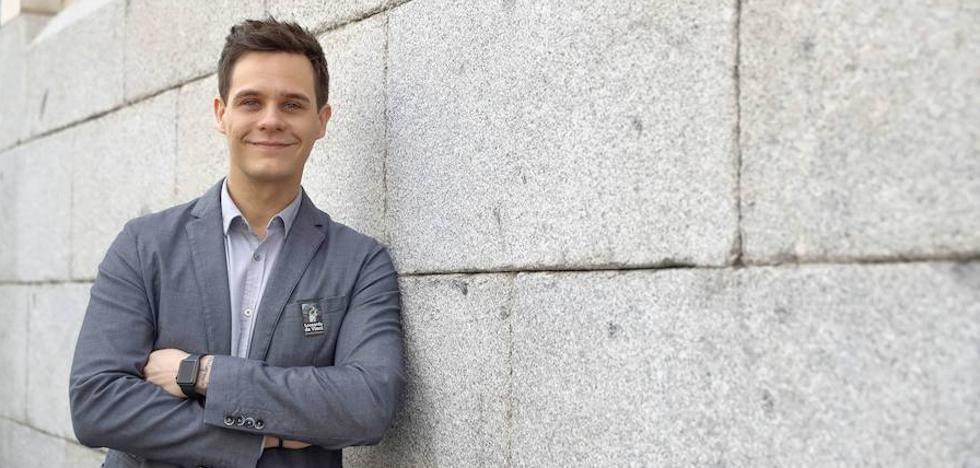Christian Gálvez: «Me ha costado ganarme el respeto literario»