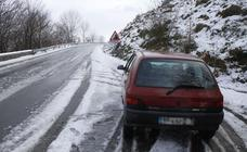 La nieve regresa a Álava y dificulta la circulación en algunos puertos