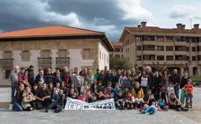 Una plataforma ciudadana pretende dar vida a la plaza de Iurreta con actos culturales y sociales