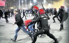 El Gobierno vasco reclama a los clubes de fútbol que impidan «a la minoría violenta acudir a los partidos»