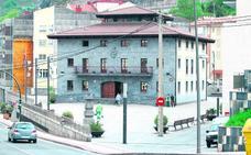 Mariscadas, cohibas y spa en la Visa de una sociedad municipal de Alonsotegi
