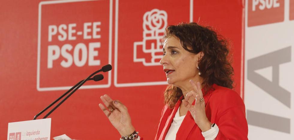 La ministra Montero reclama al PNV «compromiso y colaboración» para sacar adelante los Presupuestos de Sánchez
