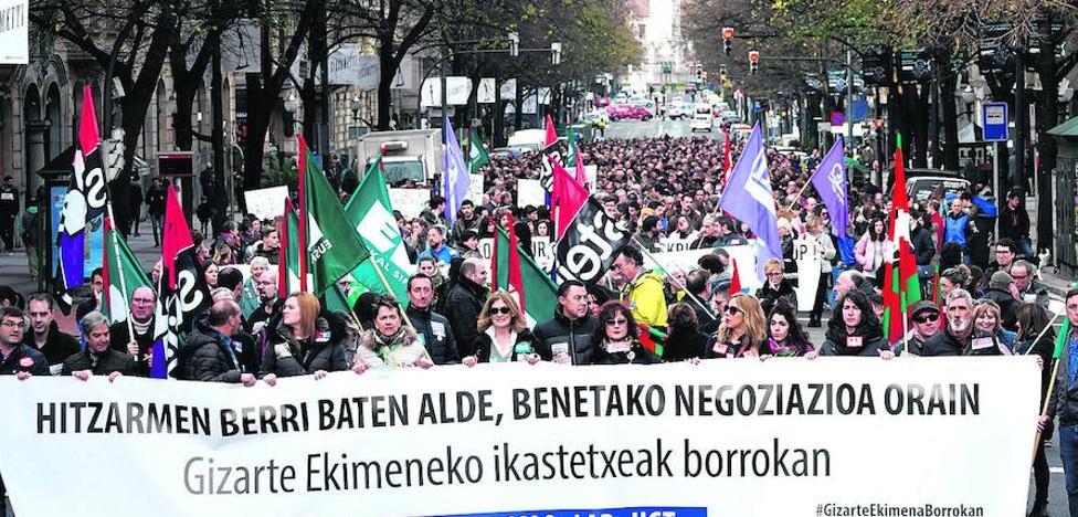 El segundo día de huelga en los colegios concertados deja a miles de alumnos sin clase