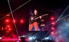 Medio millón de euros para reponer el césped de San Mamés tras el concierto de Muse