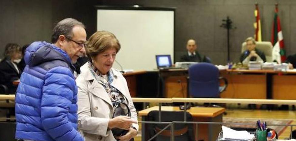 Condenan a dos años al mando de más rango por «no impedir» la carga con pelotas de goma