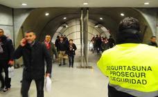 Detenido por agredir a una supervisora del metro en Sarriko