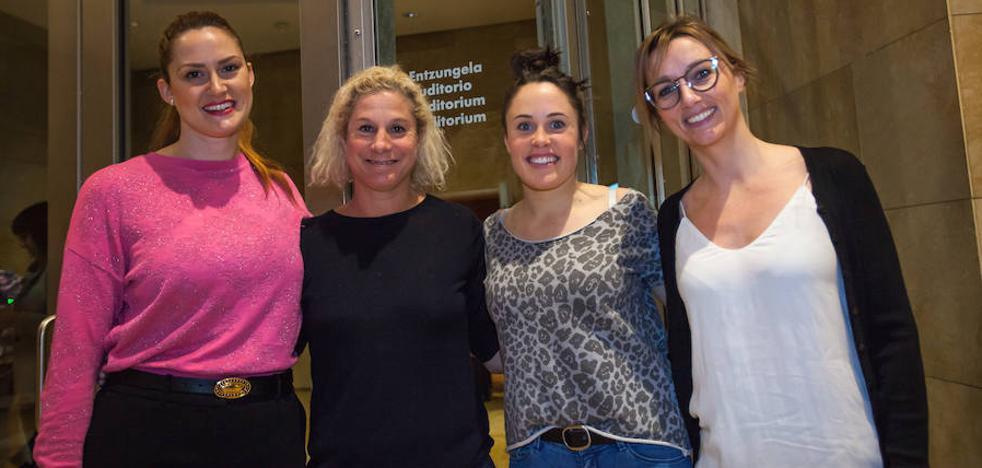 Entre mujeres: «Tenemos que visibilizar nuestro trabajo»