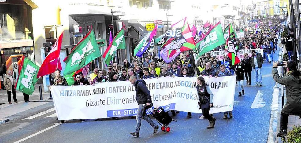 Sindicatos y patronal de la concertada se emplazan a negociar tras 4 días de huelga
