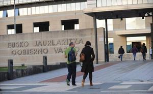 Los funcionarios vascos cobrarán el 100% del sueldo desde el primer día de baja