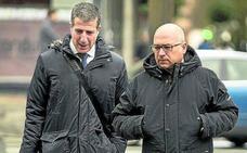 El abogado de De Miguel trata de desacreditar a la «testigo estrella» y a los imputados que han confesado