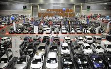 Euskadi lidera la caída de los coches de gasolina en otro mes de malas ventas