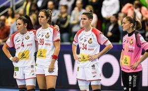España paga con una contundente derrota su endeblez defensiva