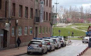 La Policía de Barakaldo utilizará dos coches usados en Valencia a la espera de los nuevos