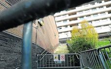Cerradas las escaleras a Ardantza hasta que se repare un muro