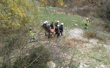 Un hombre de 64 años cae de ocho metros de altura cuando escalaba en La Leze