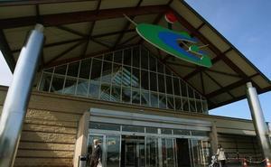 Roban en un centro comercial de San Sebastián tras intentarlo sin éxito en Vitoria