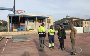 Arrancan las obras para cubrir la cancha deportiva de la ikastola de Muskiz