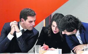 «Sería irresponsable descartar escenarios», afirma Rivera sobre un posible pacto con Vox