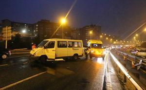 Un accidente en Rontegi colapsa durante más de una hora el Txorierri y La Avanzada